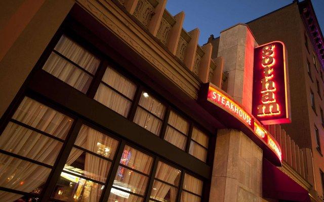 Отель The St. Regis Hotel Канада, Ванкувер - отзывы, цены и фото номеров - забронировать отель The St. Regis Hotel онлайн вид на фасад