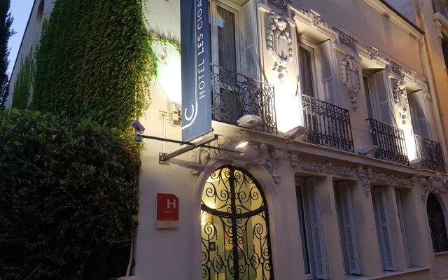 Hotel les Cigales вид на фасад