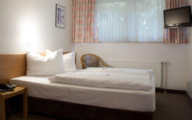 Отель Christina Германия, Кёльн - отзывы, цены и фото номеров - забронировать отель Christina онлайн комната для гостей