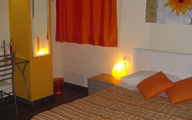 Отель I Fiori di Malpensa - Bed & Breakfast Италия, Ферно - отзывы, цены и фото номеров - забронировать отель I Fiori di Malpensa - Bed & Breakfast онлайн комната для гостей