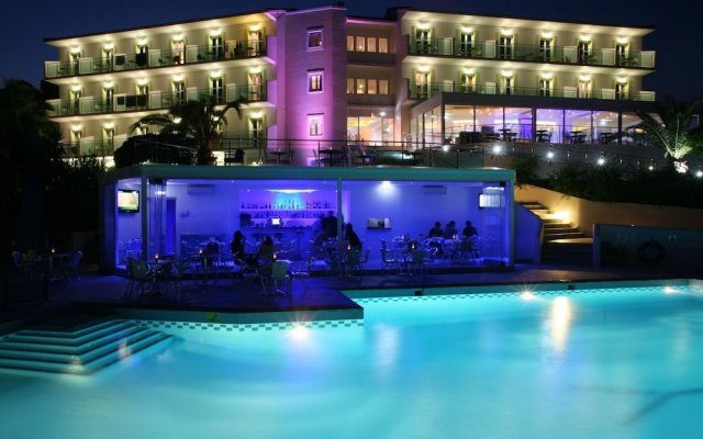 Отель Princessa Riviera Resort вид на фасад