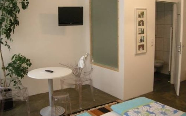 Отель Rentyourroom комната для гостей