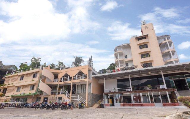 Patong 7Days Premium Hotel Phuket вид на фасад