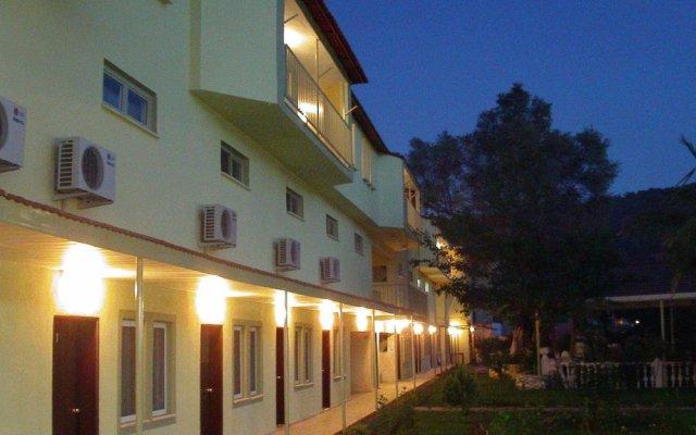 Carmina Hotel Турция, Олудениз - 3 отзыва об отеле, цены и фото номеров - забронировать отель Carmina Hotel онлайн вид на фасад