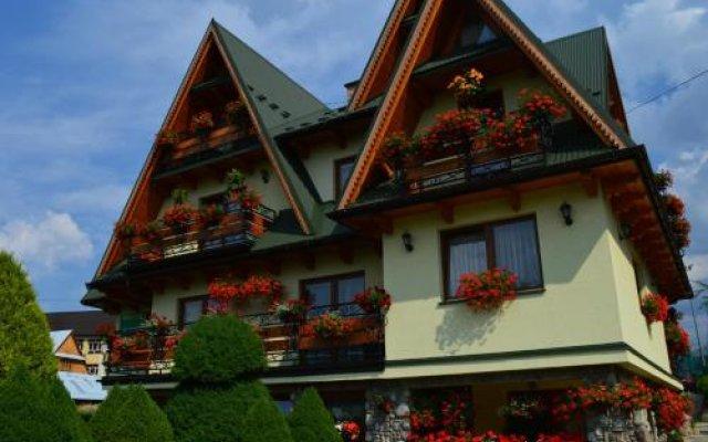 Отель Guest House Pokoje U Krzeptowskich Косцелиско вид на фасад