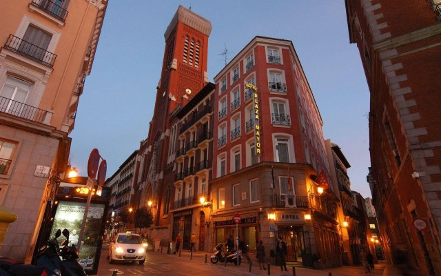 Hotel Plaza Mayor вид на фасад