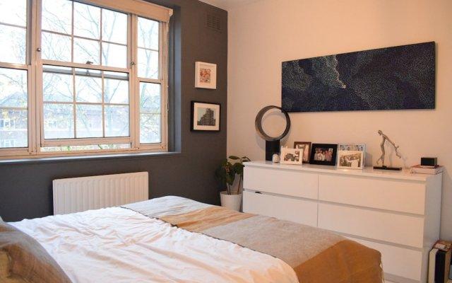 Апартаменты 2 Bedroom Apartment in Clapham Sleeps 4 комната для гостей