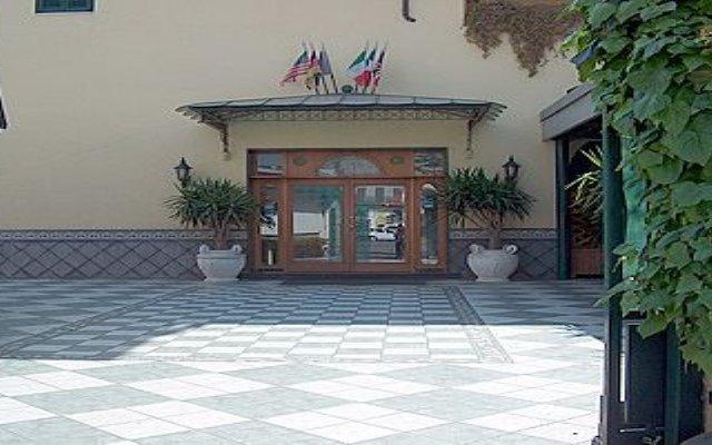 Отель Grillo Verde Италия, Торре-Аннунциата - отзывы, цены и фото номеров - забронировать отель Grillo Verde онлайн вид на фасад