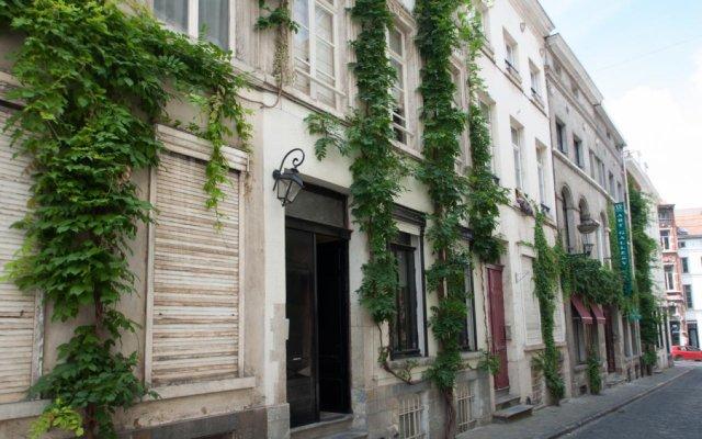 Отель Be&Be Sablon 11 вид на фасад