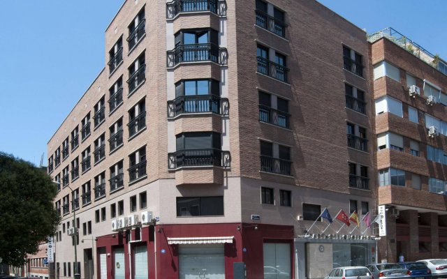 Отель Quo Eraso Aparthotel вид на фасад