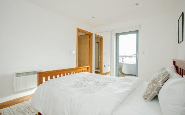 3 Bedroom Flat In East London