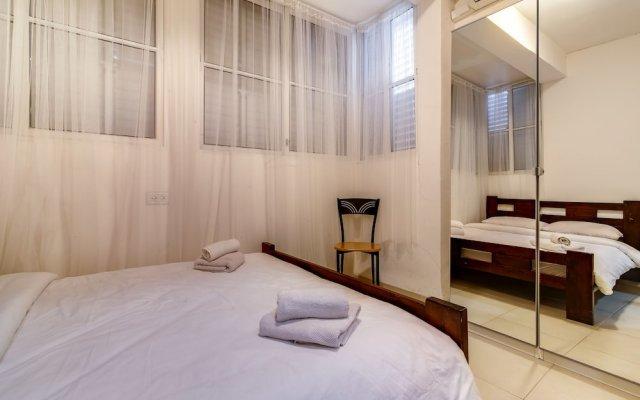 Central Apartment next to Dizengoff St. Израиль, Тель-Авив - отзывы, цены и фото номеров - забронировать отель Central Apartment next to Dizengoff St. онлайн комната для гостей