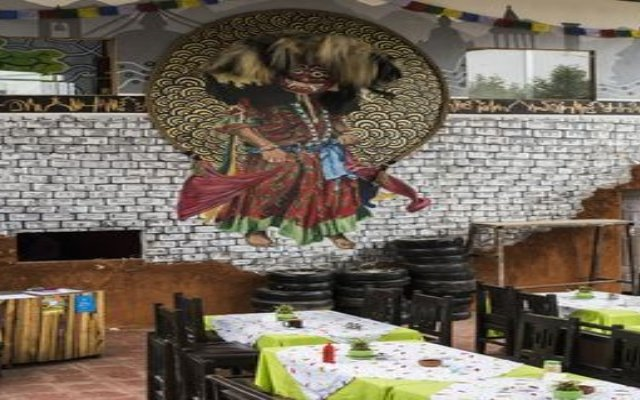 Отель Wanderthirst Backpackers Hostel Непал, Катманду - отзывы, цены и фото номеров - забронировать отель Wanderthirst Backpackers Hostel онлайн питание