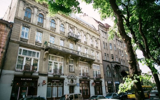 Отель Book Room Львов вид на фасад