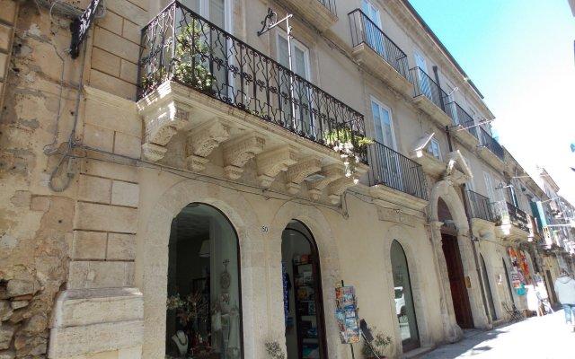Отель B&B Casa D'Alleri Италия, Сиракуза - отзывы, цены и фото номеров - забронировать отель B&B Casa D'Alleri онлайн вид на фасад