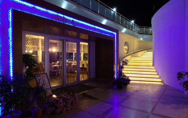 Drita Hotel вид на фасад