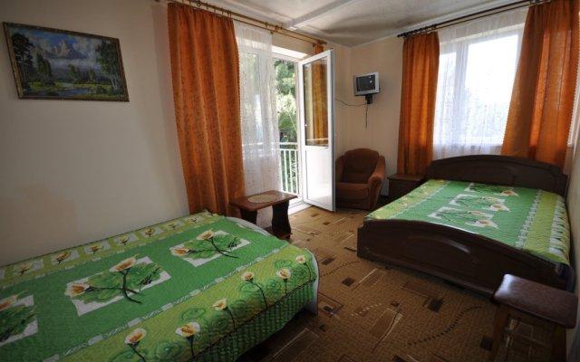 Гостиница Гостевой дом Командор в Сочи 1 отзыв об отеле, цены и фото номеров - забронировать гостиницу Гостевой дом Командор онлайн комната для гостей