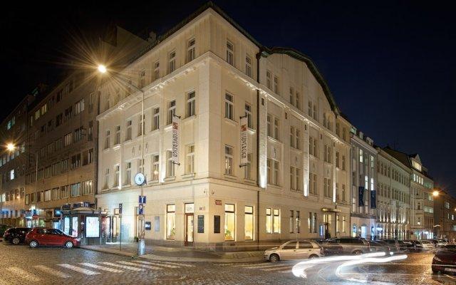 Отель Sovereign Прага вид на фасад