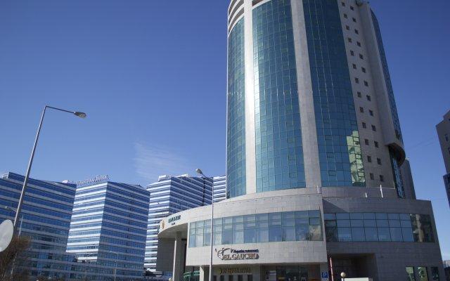 Гостиница и бизнес-центр Diplomat Казахстан, Нур-Султан - 4 отзыва об отеле, цены и фото номеров - забронировать гостиницу и бизнес-центр Diplomat онлайн вид на фасад