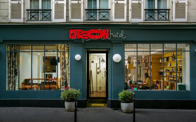 Hotel Crayon by Elegancia вид на фасад