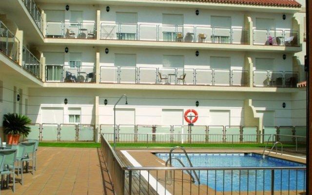 Отель Loto Conil Apartamentos Испания, Кониль-де-ла-Фронтера - отзывы, цены и фото номеров - забронировать отель Loto Conil Apartamentos онлайн вид на фасад