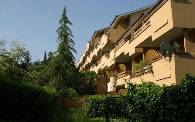 Отель La Genziana вид на фасад