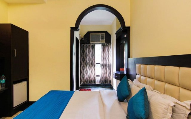 Отель Zo Rooms Karol Bagh W.E.A. комната для гостей
