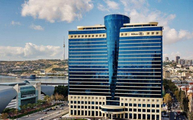 Отель Hilton Baku вид на фасад