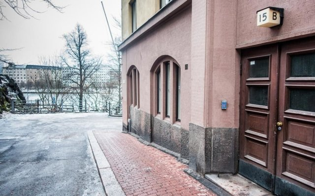 Отель WeHost Oikokatu 15 Финляндия, Хельсинки - отзывы, цены и фото номеров - забронировать отель WeHost Oikokatu 15 онлайн вид на фасад
