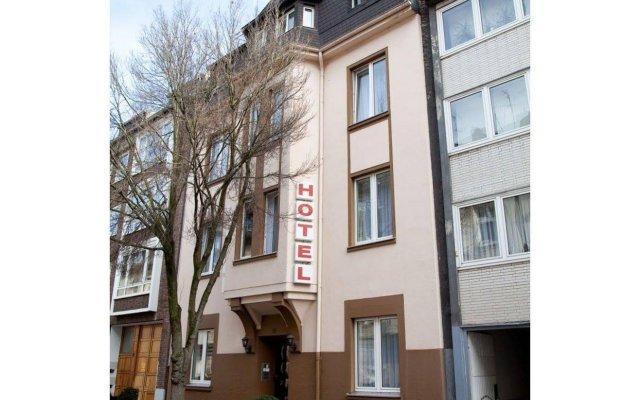 Отель Engelbert Германия, Дюссельдорф - отзывы, цены и фото номеров - забронировать отель Engelbert онлайн вид на фасад