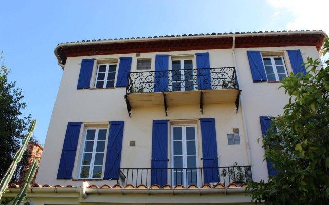 Отель Hôtel Villa la Malouine вид на фасад