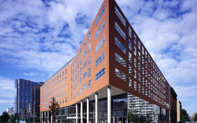 Отель Courtyard by Marriott Berlin City Center вид на фасад