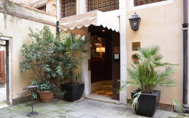 Duodo Palace Hotel вид на фасад