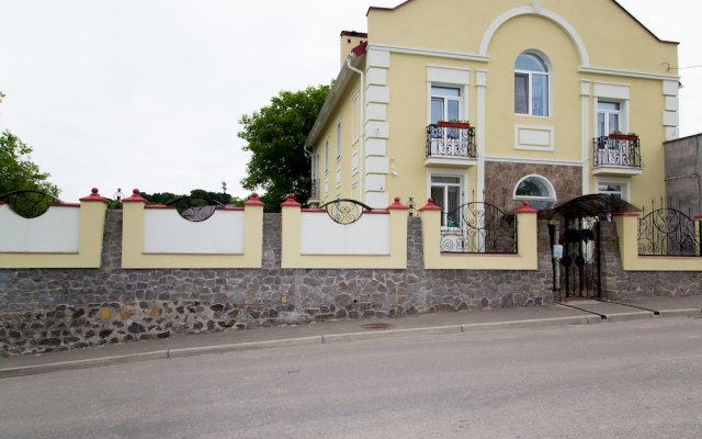 Гостиница Оселя вид на фасад