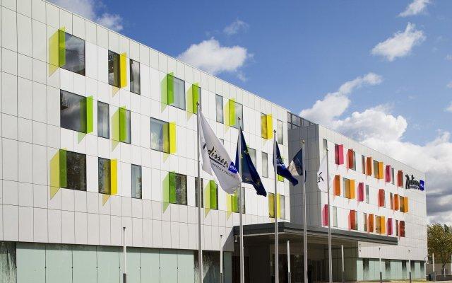Отель Radisson Blu Hotel Toulouse Airport Франция, Бланьяк - 1 отзыв об отеле, цены и фото номеров - забронировать отель Radisson Blu Hotel Toulouse Airport онлайн вид на фасад
