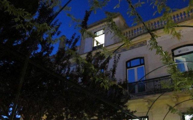 Go Hostel Lisbon Лиссабон вид на фасад