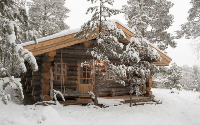 Отель Engholm Husky Design Lodge вид на фасад