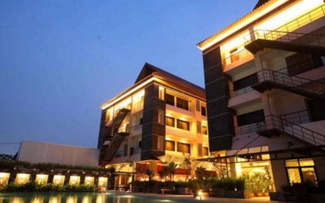 Bali World Hotel In Bandung Indonesia From 37 Photos Reviews Zenhotels Com