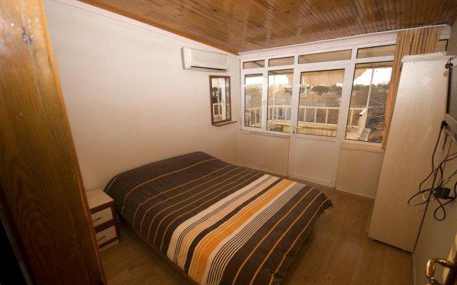 Zeki Pension Турция, Фоча - отзывы, цены и фото номеров - забронировать отель Zeki Pension онлайн комната для гостей