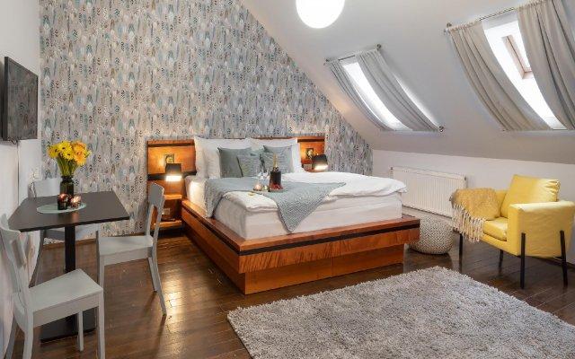 Отель Four Elements комната для гостей