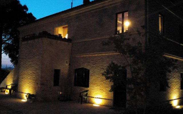 Отель Agriturismo La Fonte Италия, Потенца-Пичена - отзывы, цены и фото номеров - забронировать отель Agriturismo La Fonte онлайн вид на фасад