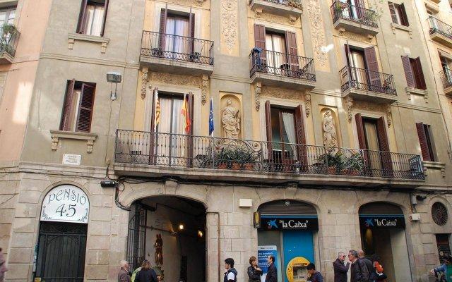 Отель Pension 45 Барселона вид на фасад