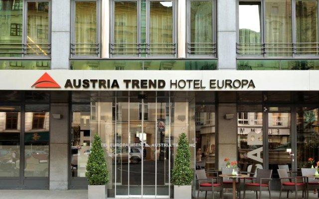 Austria Trend Hotel Europa Wien вид на фасад