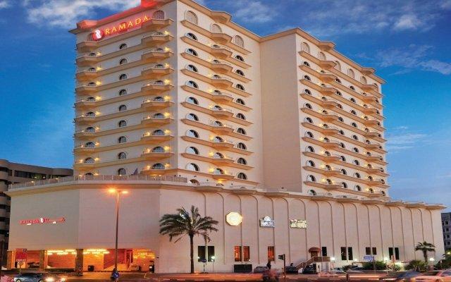 Отель Ramada Hotel Dubai ОАЭ, Дубай - отзывы, цены и фото номеров - забронировать отель Ramada Hotel Dubai онлайн вид на фасад