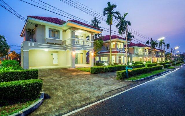 Отель Pattana Golf Club & Resort вид на фасад