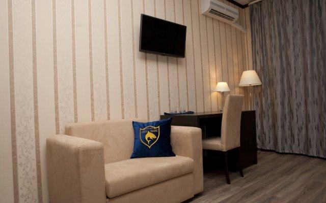 Hotel Gold Shark