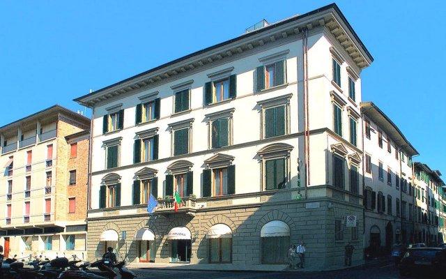 Отель Arizona Hotel Италия, Флоренция - 3 отзыва об отеле, цены и фото номеров - забронировать отель Arizona Hotel онлайн вид на фасад