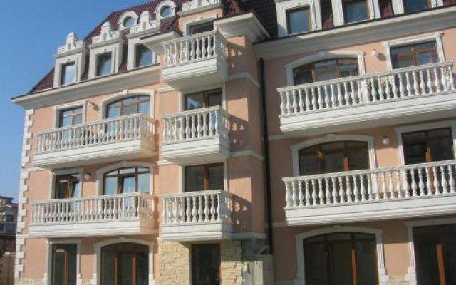 Отель Guest House Aristokrat Болгария, Аврен - отзывы, цены и фото номеров - забронировать отель Guest House Aristokrat онлайн вид на фасад