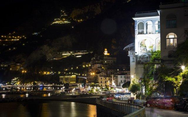 Отель Marina Riviera Италия, Амальфи - отзывы, цены и фото номеров - забронировать отель Marina Riviera онлайн вид на фасад