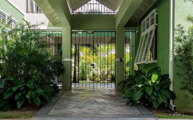 Отель Eight 24 by Pro Homes Jamaica Ямайка, Кингстон - отзывы, цены и фото номеров - забронировать отель Eight 24 by Pro Homes Jamaica онлайн вид на фасад